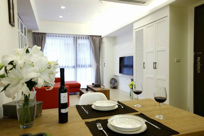 82平现代小户型客厅电视背景墙沙发背景墙装修效果图