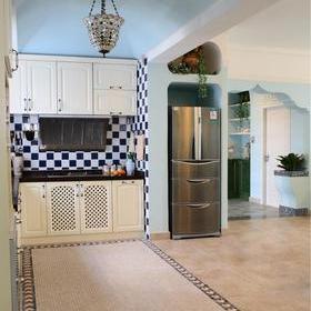 喜欢这个过口墙  室内也有小园艺  餐厅区域  嵌入式冰箱  开放式图片